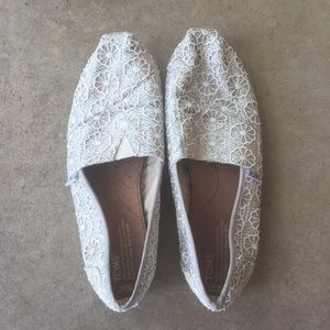 057d91a4f9ab Toms · White Lace Crocheted Glitter Toms